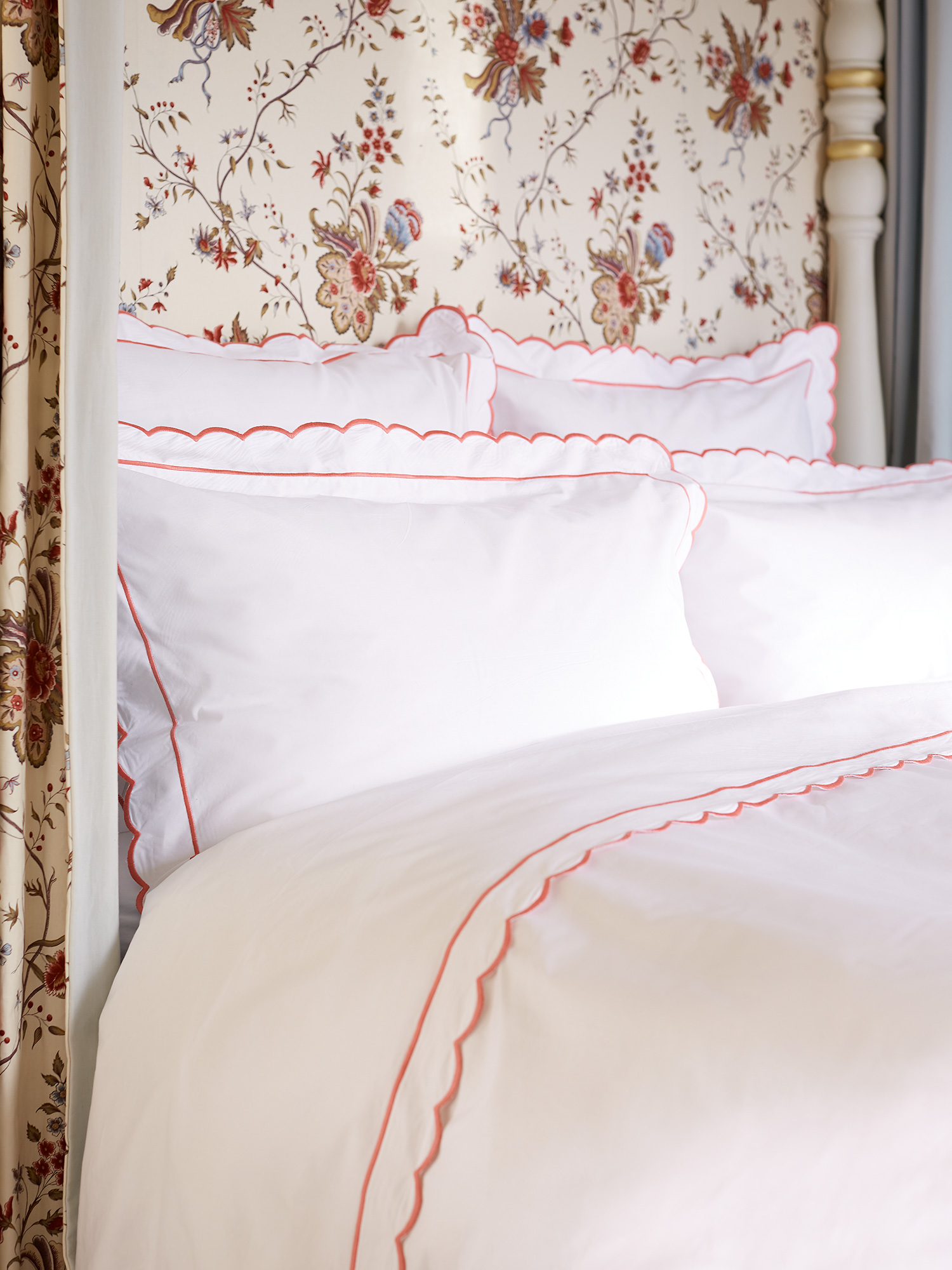 duvet scallop with set venice bedding bath scalloped pieces shipping product park free madison daybed cover overstock today ivory edges quilted